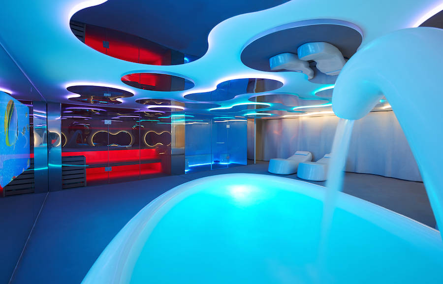 Aquatic-Life-Inspired-Spa-Design20-900x577